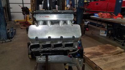 Small Block Chevy 13* splayed valve race engine