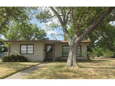 3 Bed 2 Bath Foreclosure Property in Freeport, TX 77541 - W 8th St