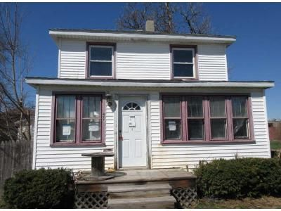 3 Bed 1.5 Bath Foreclosure Property in Laporte, IN 46350 - North St