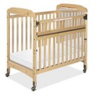 GORGEOUS MINI CRIB WITH DROP SIDE AND MATTRESS