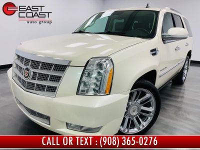 2011 Cadillac Escalade Platinum Edition (White Diamond Tricoat)