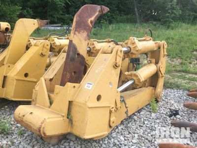 Cat Crawler Tractor Ripper - Fits Cat D9