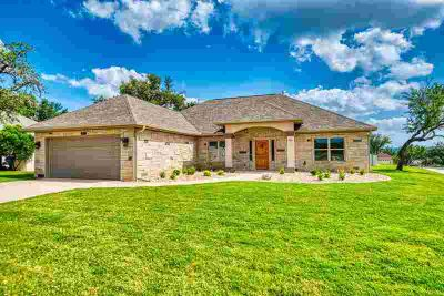 1809 Chalet Circle Kerrville Three BR, New, beautiful