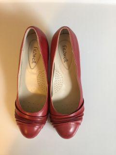 Fitzwell Women's Heels Pumps Shoes Red Used 7.5ww