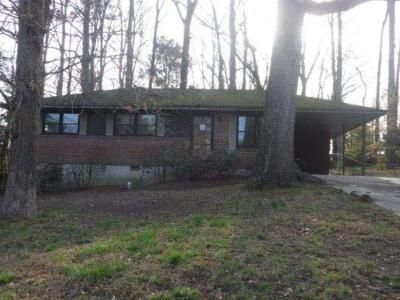 3 Bed 1 Bath Foreclosure Property in Forest Park, GA 30297 - Bartlett Rd