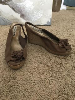 Brown canvas wedges size 8