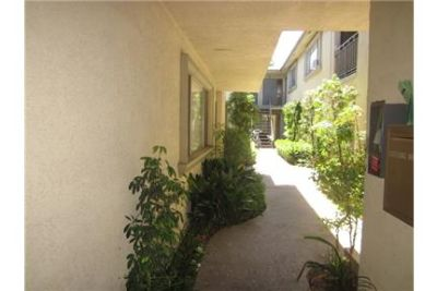 TWO BEDROOM UNIT LOCATED IN HEIGHTS PET FRIENDLY