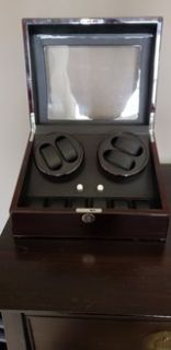 Diplomat Double Electric watch winder