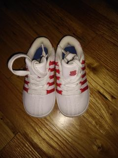 Toddler size 7 only worn inside red and white k swiss