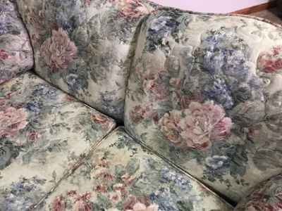 Small Floral Love Seat/Couch