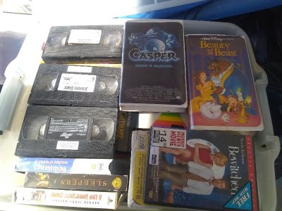 ENTIRE TOTE OF VCR/VHS MOVIES