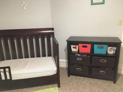 Crib/toddler bed and changing table set