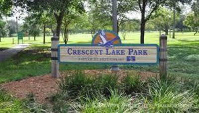 1 BR Apartment Across from Sunken Gardens - One Block to Crescent Lake Park