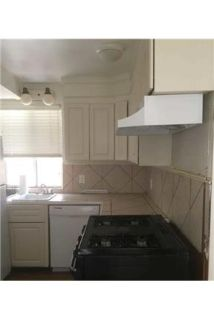 #A - 2 room/2 bath Duplex, Newly Remodeled. Parking Available!