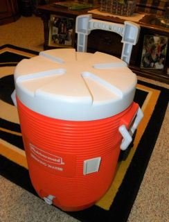 Rubbermaid Water Cooler - Cooling Insulated 5 Gallons with wheels orange