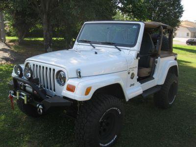 2000 Jeep Wrangler Sahara (WHI)