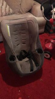 Graco car seat. Just needs to be washed.