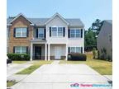 Lots of Space! 2 Story-Three BR Townhome in Atlanta