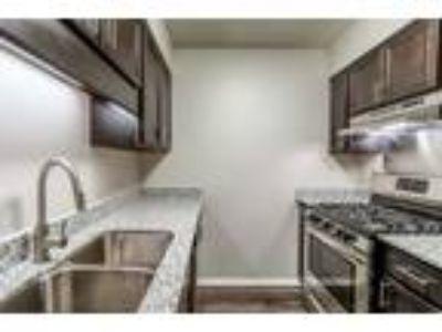 Woodbridge of Bloomington - One BR Apartment