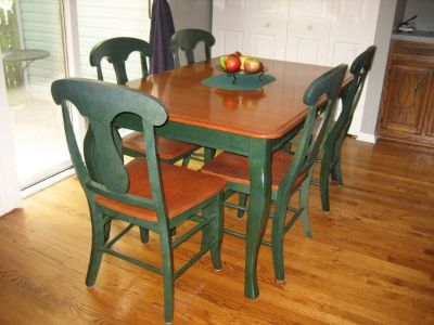 Kitchen - Breakfast Nook - Solid Wood Table and 6 Chairs