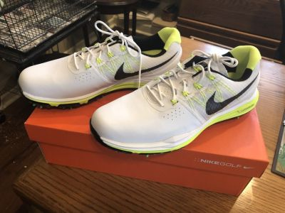 New Men's Nike Golf Shoes - Size 9.5 - Lunar Control 3 - New in Box