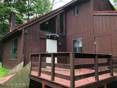 1226 Mink Trl Bushkill Three BR, Vacation home or full time