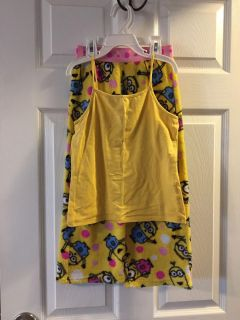 Despicable me 2 piece pajama set tank top is size 7/8 and pants are size small