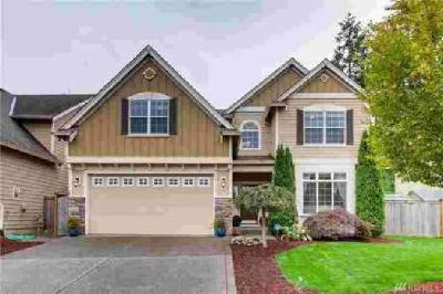 23305 SE 284th St Maple Valley Four BR, This Glacier Point home