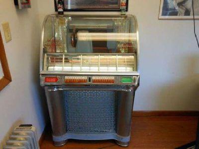 $2,500 1950's seabrug jukebox (beckley)