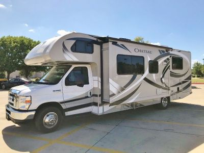 2014 Thor Motor Coach Chateau 28Z - 12k MILES