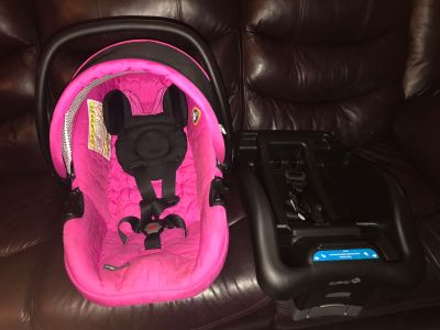 Minnie Mouse car seat and stroller