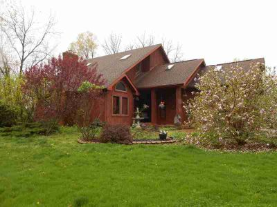 370 W Cr 1175 N Farmersburg Four BR, The home has over 2700 sqft