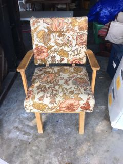 Floral chair bouncer