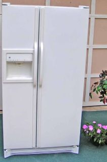 Refrigerator White Side By Side Water and Ice In Door-3 months Guarantee