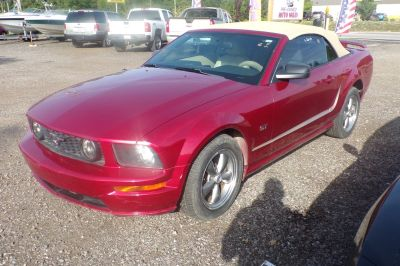 2006 Ford Mustang GT Deluxe (Red)