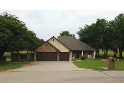 3 Bed 2 Bath Foreclosure Property in Blanchard, OK 73010 - Hackney Ct
