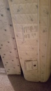 Serta King Mattress/BS