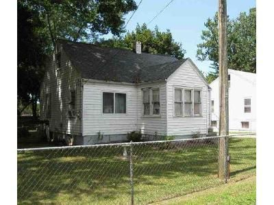 3 Bed 1 Bath Foreclosure Property in Benton Harbor, MI 49022 - Allen Dr