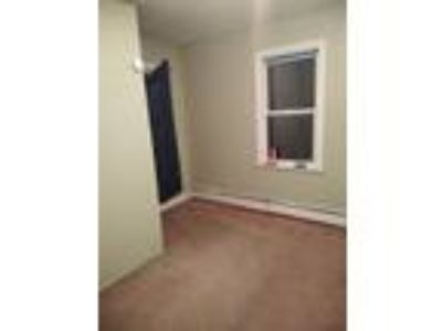 Roommate wanted to share 5+ Bedroom 1.5 BA House...