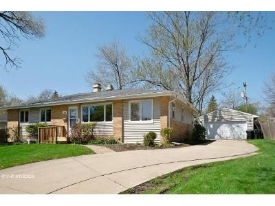 3 Bed 2 Bath Foreclosure Property in Hoffman Estates, IL 60169 - Pleasant St