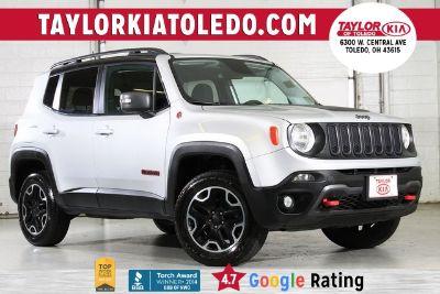 2016 Jeep Renegade Trailhawk (Silver)