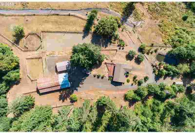 57049 Walker Rd Scappoose Four BR, Exceptional property loaded