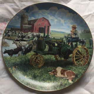 Collectors John Deere Plate.