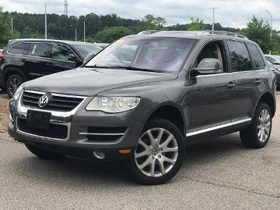 2010 Volkswagen Touareg VR6 FSI (Alaska Gray Metallic)