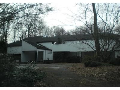5 Bed 4 Bath Foreclosure Property in Syosset, NY 11791 - Skyview Ct
