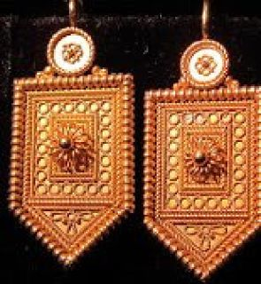 Best Antique jewelry collection for investment
