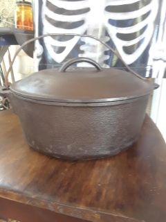 Cast iron dutch iven (wagner ware)