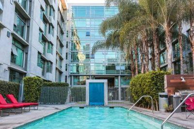 $6972 2 apartment in Metro Los Angeles