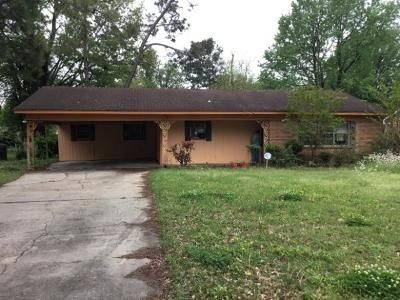 3 Bed 2 Bath Foreclosure Property in Greenville, MS 38703 - Waxhaw Dr