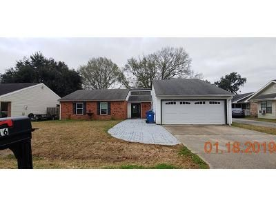 Foreclosure Property in Youngsville, LA 70592 - Village Green
